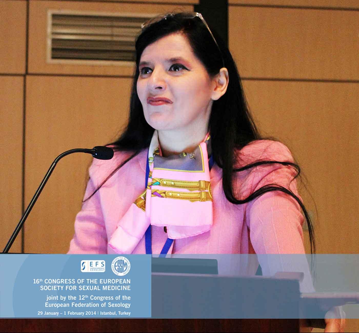 Tania-Bianchi - international podium public speaker in congresses